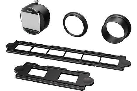 Bild Zum Lieferumfang des ES-2 Filmdigitalisierungsadapters gehören Objektivadapter sowie Filmstreifen- und Diahalter. [Foto: Nikon]