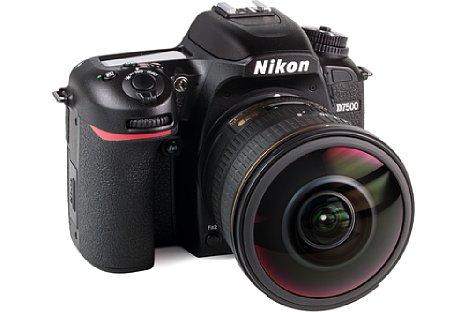 Bild DasNikon AF-S 8-15 mm 1:3.5-4.5E ED Fisheye eignet sich auch für das APS-C-Format, hier an der Nikon D7500. [Foto: MediaNord]