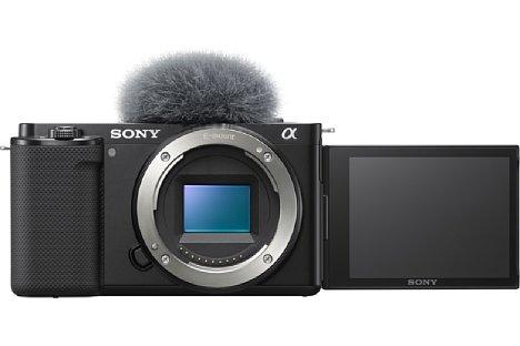 Bild Ein über den Blitzschuh angebrachter Windfilter für das Mikrofon gehört zum Lieferumfang der Sony ZV-E10. Es ist derselbe wie bei der ZV-1. [Foto: Sony]