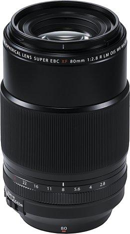 Bild Das Gehäuse des Fujifilm XF 80 mm F2.8 R LM OIS WR Macro besteht zwar überwiegend aus Kunststoff, dennoch besitzt es einen Staub- und Spritzwasserschutz. [Foto: Fujifilm]