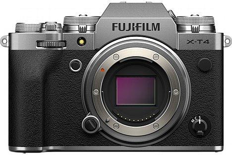 Bild Die Fujifilm X-T4 soll ab Ende April 2020 wahlweise in Schwarz oder Silber zu einem Preis von knapp 1.800 Euro erhältlich sein. [Foto: Fujifilm]