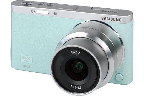 Bild Über das Design der Samsung NX mini mag man sich, besonders wie hier in Mintgrün, durchaus streiten. [Foto: MediaNord]